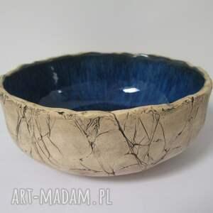 hand-made ceramika artystyczna miska z granatowym środkiem