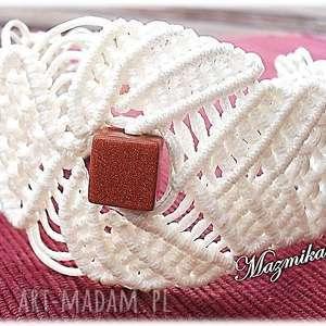 Ażurowa elegancja - Hand-Made