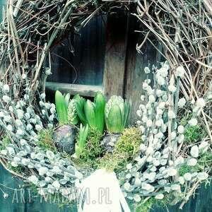 wielkanocny wiosenny wianek na drzwi lub stół, wianki, wielkanoc, święta