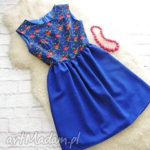 ręcznie robione sukienki szafirowa sukienka drobny wzór góralski folk