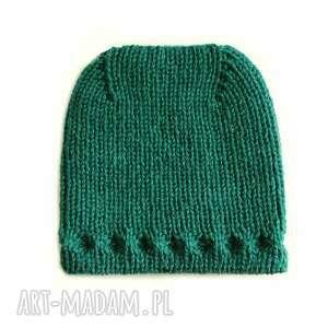 czapka z uniesioną górą, szmaragdowa, wełniana, prezent, dziergana, naturalna