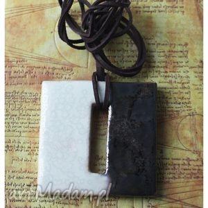 Czarno biały kwadrat, wisior, ceramika