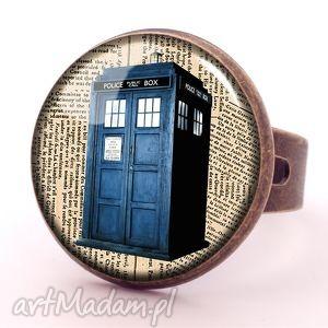 Tardis - Pierścionek regulowany - ,tardis,doctor,who,pierścionek,regulowany,serialowa,