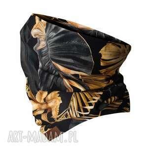 kominy jesienno-zimowy kominek, wzorzysta komino-maska w złote liście