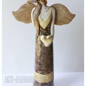 anioł o złotym sercu, ceramika, anioł, serce