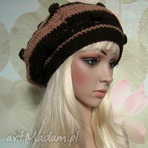 brąz i beż - pasiasty beret z bąbelkami - czapka, beret, boho, bąbelki