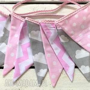 Girlanda chmurki róż, girlanda, proporczyki, trójkąty, 3d, pokoik, dziecinny