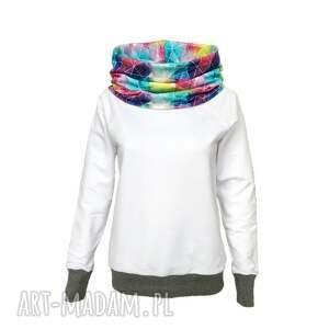 Biała bluza z kominokapturem szare ściagacze, biała-bluza, kominokaptur