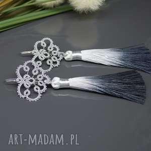 długie srebrne kolczyki z cieniowanymi chowstami, kolczyki, cieniowane