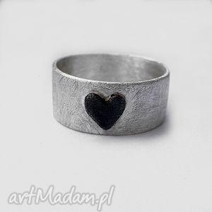 serduszko pierścionek, srebro, oksydowane, serce