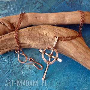 wisior krzyż celtycki z kutej, oksydowanej miedzi, naszyjnik, wisior
