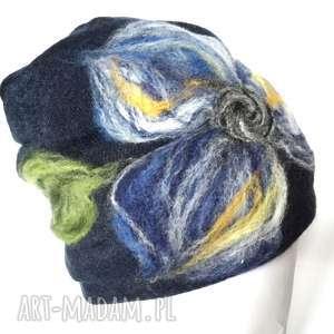 czapka wełniana damska granatowa, wełna, etno, kwiaty, czapka, kolorowa,