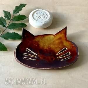 ręcznie robiona mydelniczka kot, ceramiczna, z gliny