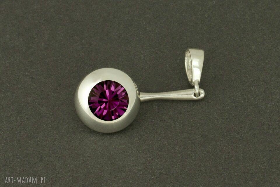 hand-made wisiorki elegancka zawieszka do łańcuszka z kryształem swarovskiego (ametyst)