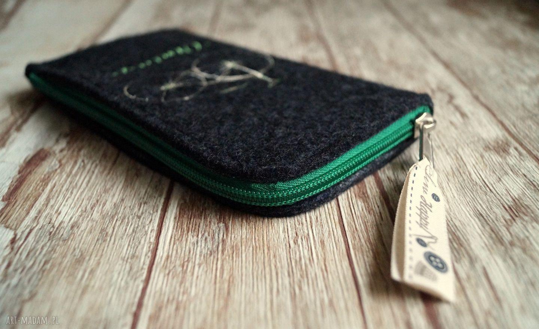 handmade etui pokrowiec filcowe na telefon - vintage