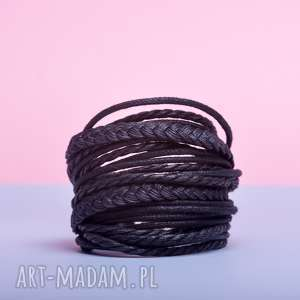 WHW Big Mess - Little Black, sznurkowa, sznureczkowa, zwijana, zawijana, ciemna,