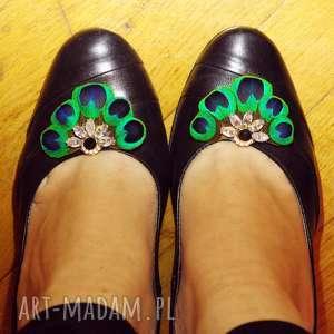 klipsy do butów z piór,,magia szmaragdu, klips, spinka, ślub, karnawał, pióra, pawie