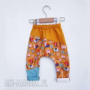 spodenki dla dziewczynki lato 104-128 cm, spodnie do szkoły, w kwiatki