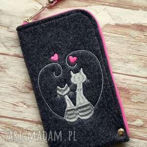 etui filcowe na telefon - zakochane koty, etui, smartfon, kotki, haftowane