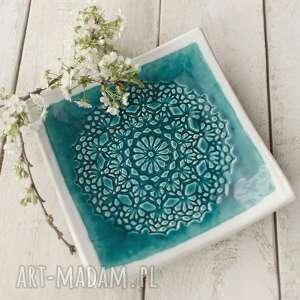 ceramika patera kwadratowa z koronką i bielą turkusowa, ceramika, talerz
