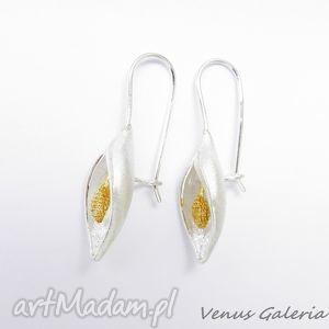 kolczyki srebrne - mała satynowa lilia - biżuteria, srebro, kolczyki