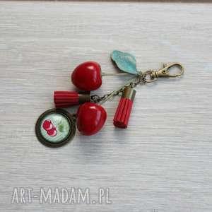 Długi brelok czereśnie, breloczek, długi, wiśnie, chwosty, owoce