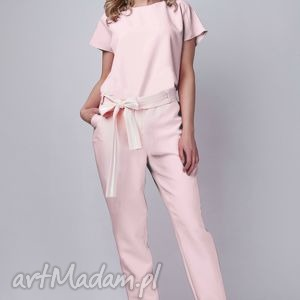 kombinezon, kb102 róż, spodnie, bluzka, elegancki, pasek, różowy