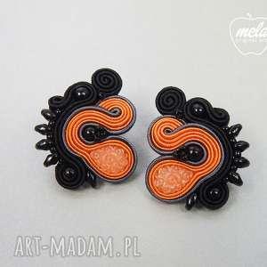 s049 mela- kolczyki sutasz sztyfty pomarańcz czarny - kolczyki, sutasz, soutache