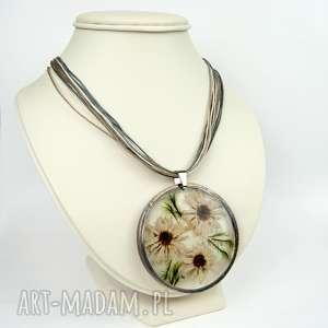 ręcznie robione naszyjniki naszyjnik z suszonym kwiatem wzór z41