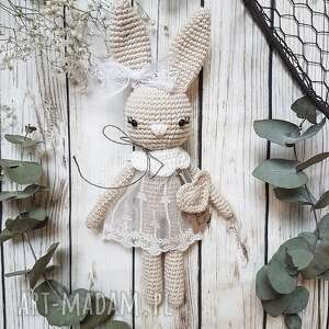 Królisia monika - beżowy króliczek w koronkowej sukience