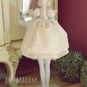 anioł baletnica w pudrowej sukni, anioł, lalka, spersonalizowane, prezent
