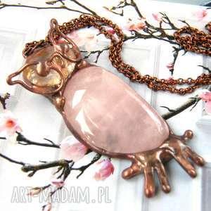 naszyjnik sowa z kwarcem różowym, wisiorek sowa, sową, wisior kamieniem