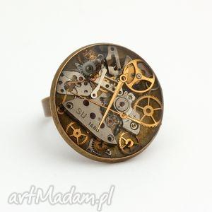 Czas na dłoni, zegar, steampunk