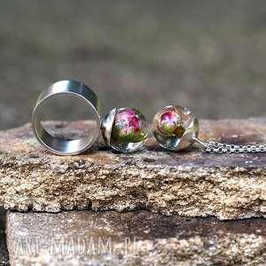 komplety zestaw naszyjnik i pierścionek z naturalną różą, żywica srebro