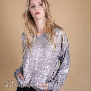 Bluzka w odcieniu srebrnym silver tone bluzki trzyforu bluzki