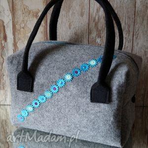 ręcznie robione do ręki filcowa torebka / kuferek - kolorowe cekiny