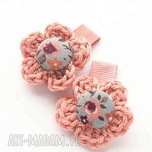 handmade ozdoby do włosów spineczki kwiatuszki szydełkowe marie