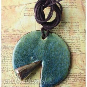 wyjątkowe prezenty, wisior zieleń szmaragdu, wisior, ceramika biżuteria