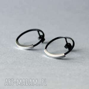 srebrne minimalistyczne kolczyki koła, geometryczne wkrętki okrągłe