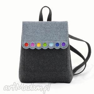 filcowy plecak z kolorowymi kółeczkami, plecak, filc, filcowy, plecaczek