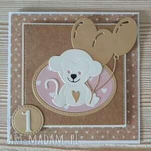 kartki kartka na pierwsze urodziny dla dziewczynki, dziewczynka, małpka, balony