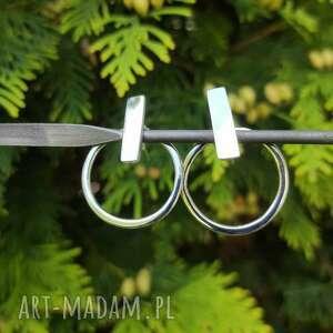 srebrne kolczyki w nowoczesnym stylu, koło, surowy, srebro, minimalistyczny