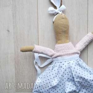 pani królik, przytulanka, szmacianka, lalka, prezent, kropki, materiał dla dziecka