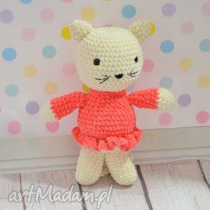 Szydełkowy kotek dziewczynka - pomarańczowa sukienka, kotek, kotka, szydełkowa