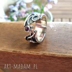 pierścionek półotwarty z cyrkonią