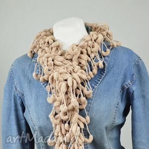 pom-pon scarf - beżowy - otulak, delikatny, nowoczesny, elegancki, beżowy
