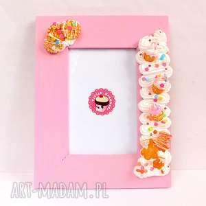 różowa ramka z babeczkami, słodka ramka, prezent, fimo, modelina