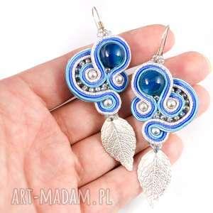 Sutaszowe niebieskie kolczyki z liściem, Srebrno-niebieskie kolyki soutache