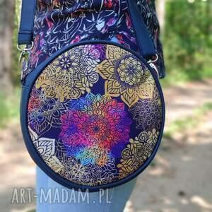 torebki niezwykle round bag - granat i tęczowe mandale, elegancka, nowoczesna
