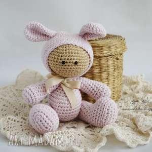 Przytulanka - w kapturku króliczka - ,przutulanka,maskotka,szydełko,lalka,króliczek,